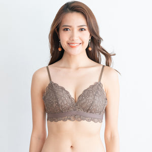 Tangle in Lace! Comfy Wireless T-Shirt Bra in Toasted Almond (Size M only)