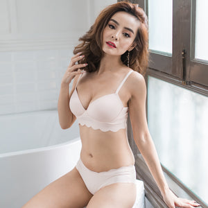 Ultimate Seamless Booster Wireless Push Up Bra in Nude