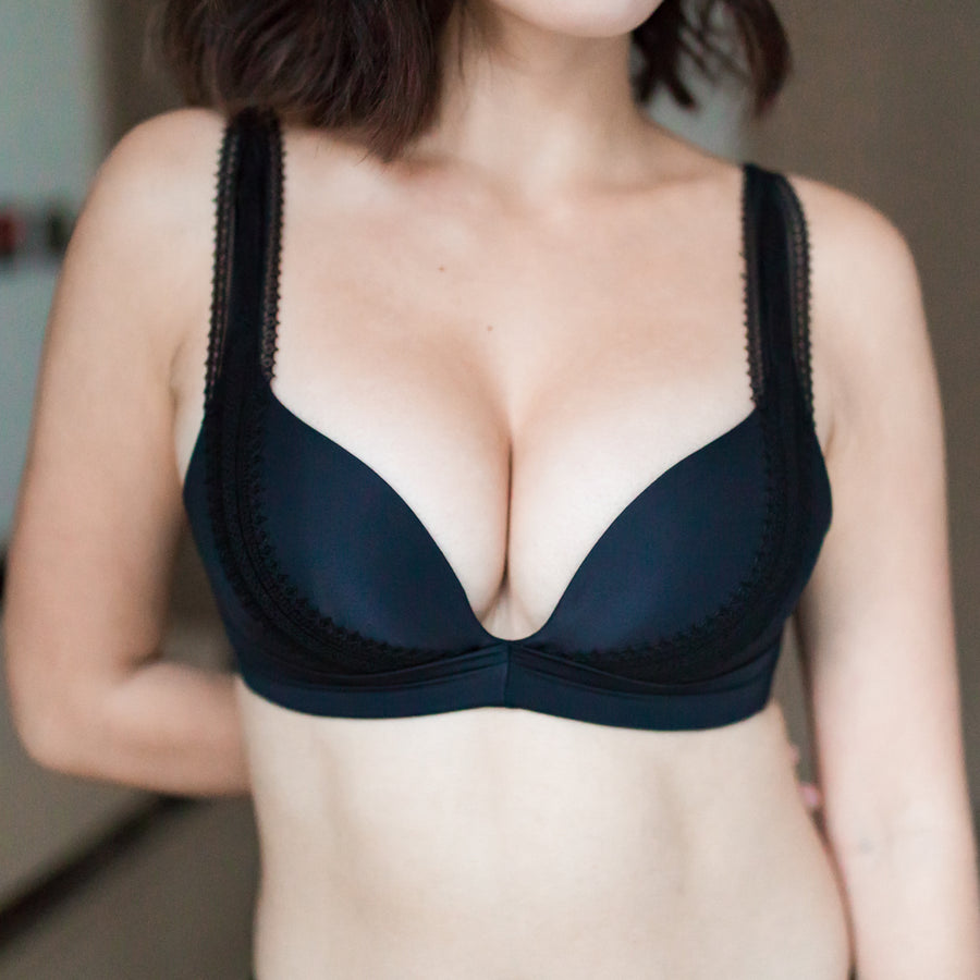 Perky Lacey Push Up Wireless Bra in Black