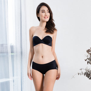 *BACKORDER OPEN* Oomph! 2-Way Wireless Super Push Up Strapless Bra in Black