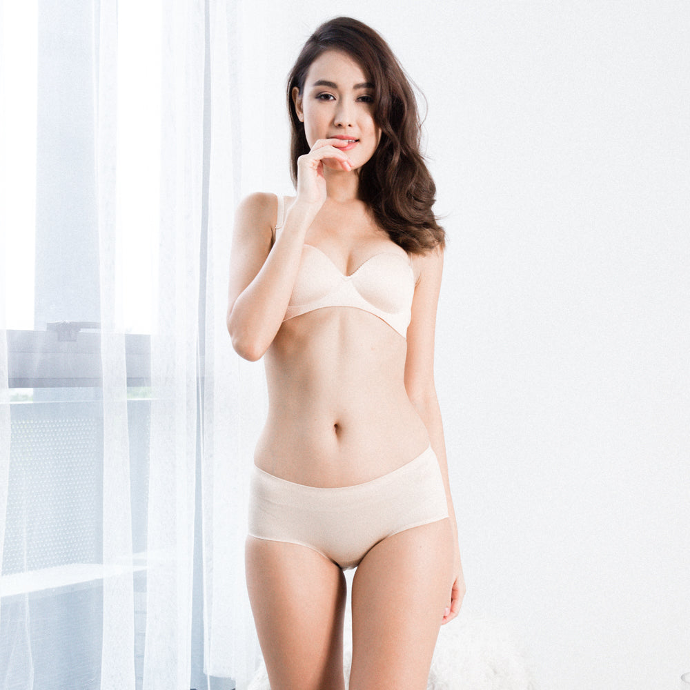 a9a570dbb4  RESTOCKED  Oomph! 2-Way Wireless Super Push Up Strapless Bra in Nude