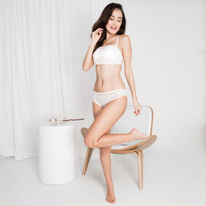 *RESTOCKED* Sexy Beyond Words 2-Way Push Up Bandeau Strapless Bra in White