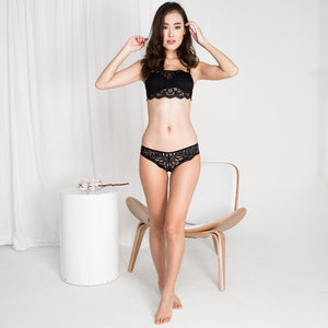 *RESTOCKED* Sexy Beyond Words 2-Way Push Up Bandeau Strapless Bra in Black