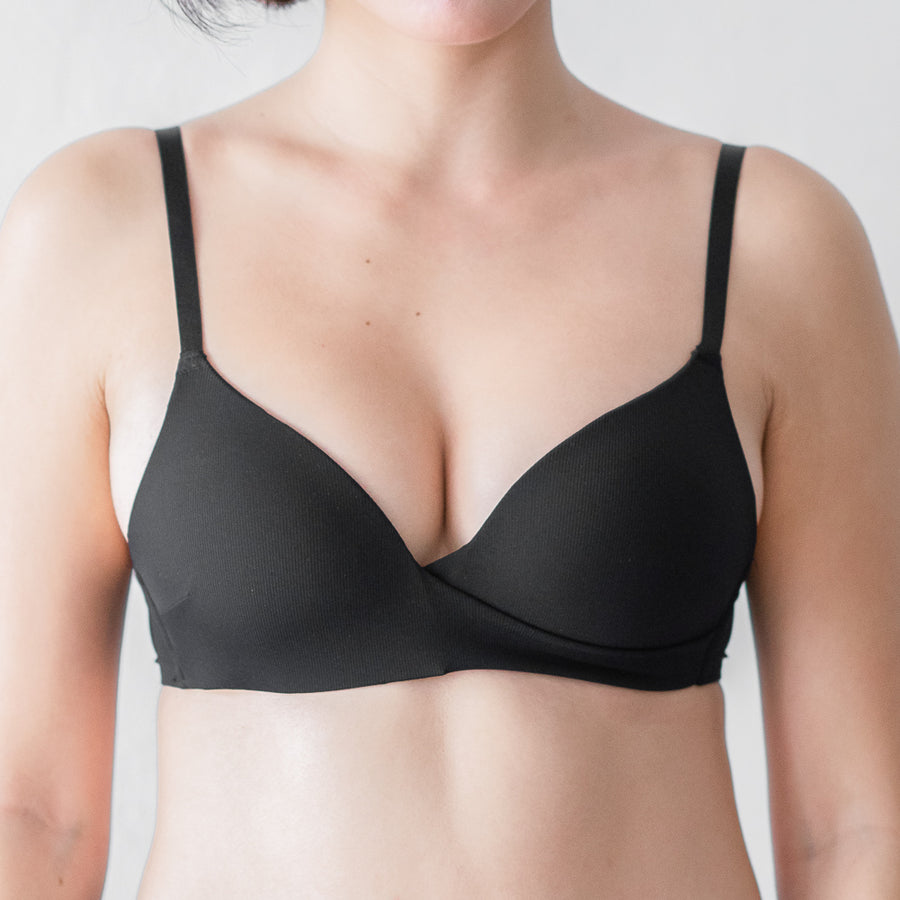 Chic-Soft Wireless Bra in Black