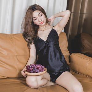 *BACKORDER OPEN* Vacay Dreams Sleepwear Set in Black