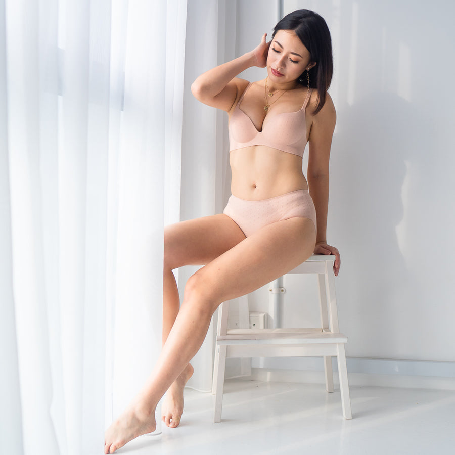 OOMPH!Velvet-Matte Seamless Bikini Cheeky in Muted Nude