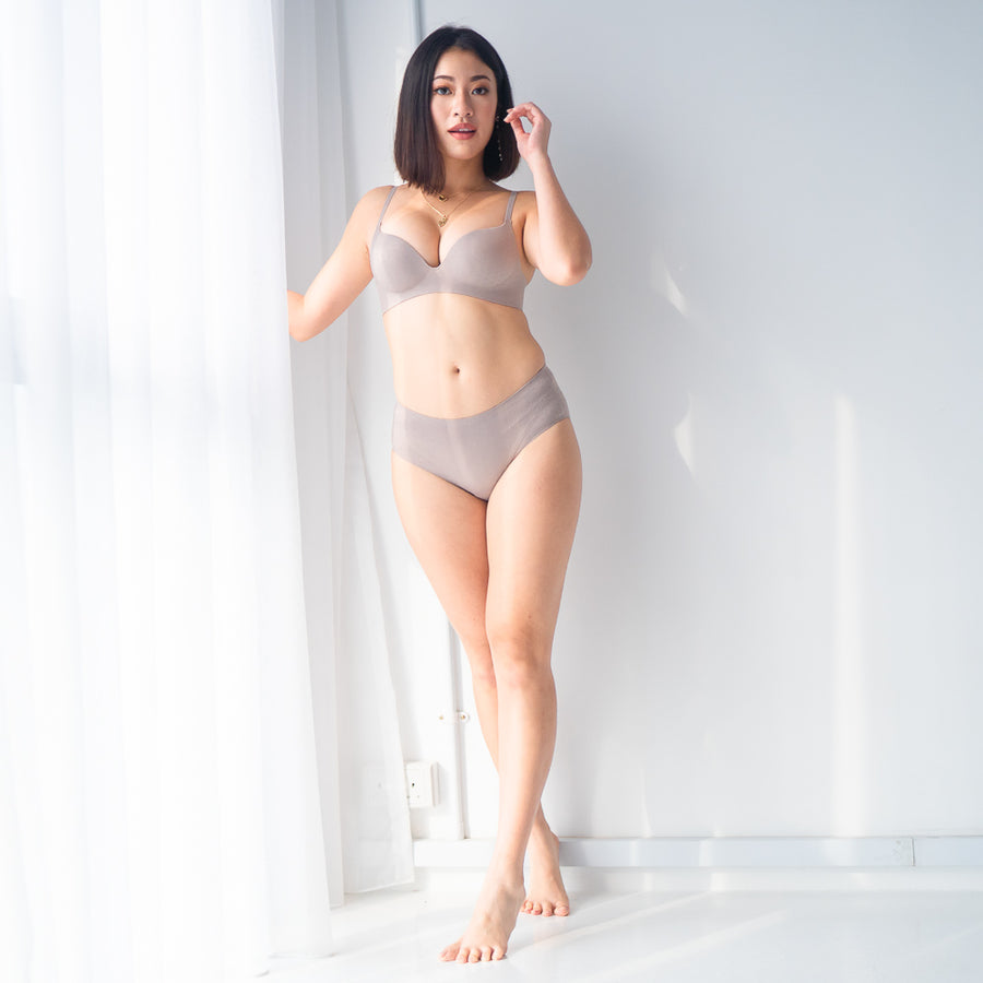 OOMPH! Velvet-Matte Seamless Bikini Cheeky in Grey