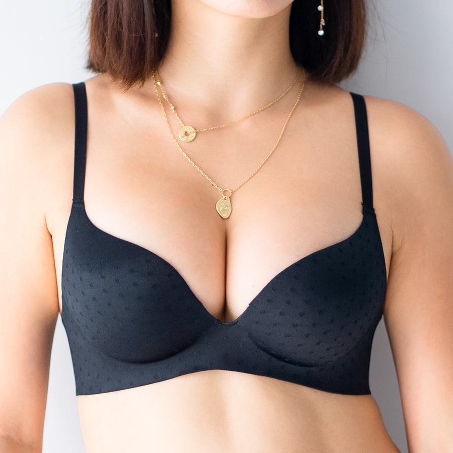 OOMPH! Velvet-Matte Teardrop 2-Way Wireless Push Up Bra in Black