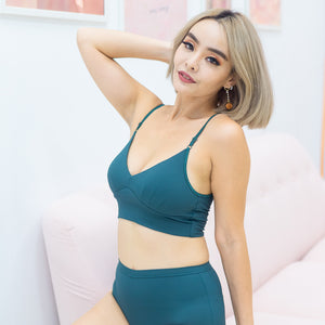 Everyday Ribbed Low-Back Midi Bralette in Emerald