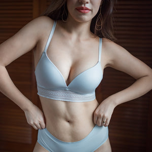 No-Wire Everyday Ultra Comfort Lace Trim Bra V3.0 in Cloud Grey