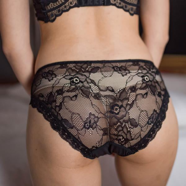 LACED IT UP! BIKINI CHEEKY IN Luxe Black