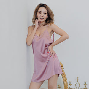 Cosy Queen! V-Back Nightgown in Radiant Pink