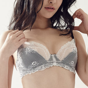 Enchanted Hearts Bralette in Winter White (34B ONLY)