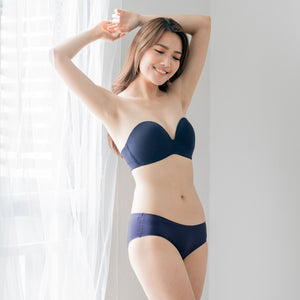 *RESTOCKED* 4th Gen X 100% Non-Slip Wireless Strapless Bra in Navy