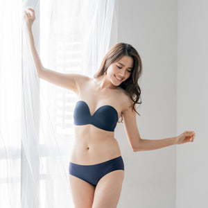 4th Gen X 100% Non-Slip Wireless Strapless Bra in Navy