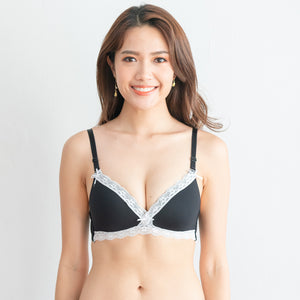 Ultra Comfy Lace Trim Wireless T-Shirt Bra in Black (Size S & L only)
