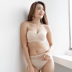 *RESTOCKED* LIVE FREE! Lightly-Lined 100% Non-Slip Strapless Wireless Bra in Nude Polka