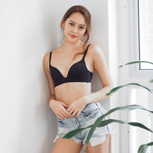 Everyday Carefree Wireless T-Shirt Bra in Black Beauty