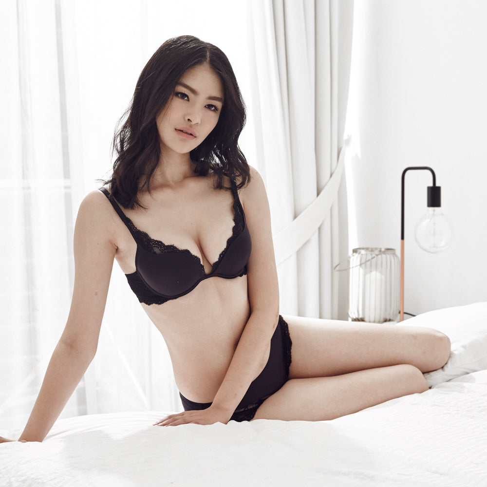 00dcc4ed0d  RESTOCKED Carried Away Super Push Up Bra in Black (Size 32B   36B ONLY)