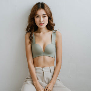 Seamless Lace-frills Wireless Bra in Sage