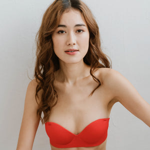Oomph! 2-Way Wireless Super Push Up Strapless Bra in Glossy Red