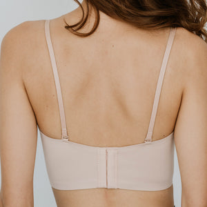 Minimalist Lightly-Lined Seamless Midi Strapless Wireless Bra V2 in Nude