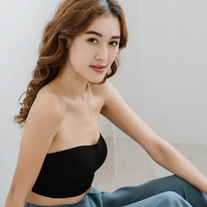 Minimalist Lightly-Lined Seamless Midi Strapless Bra V2 in Black