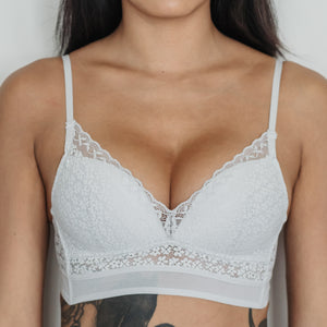 Essential Chic Low-Back Midi Wireless Bra in Grey