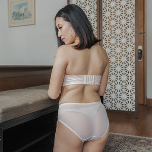 Twisted Knot! Mid-Rise Cheeky in Light Nude