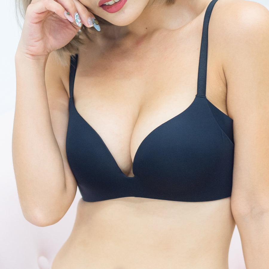 Oh-So-Smooth Essential Wireless Push Up Bra in Black
