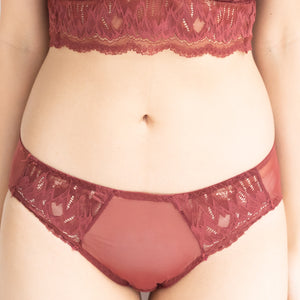 Lacey Glam Comfy Cheeky in Wine