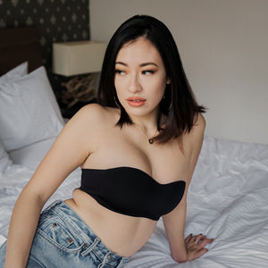 Minimalist Lightly-Lined Seamless Strapless Bra in Black