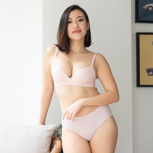 OOMPH! Velvet-Matte Teardrop 2-Way Wireless Push Up Bra in Muted Pink