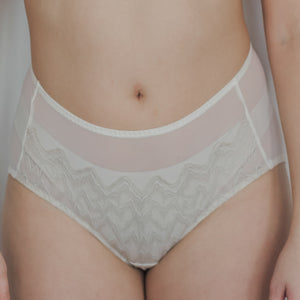Elegant Romance! Cheeky in Cream
