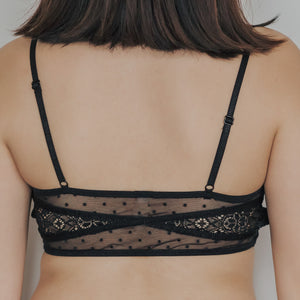 Romantic Polka Dot! Cushiony-Soft Wireless Bra in Black