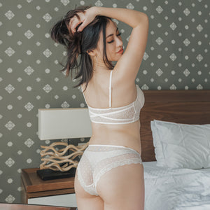 Romantic Polka Dot! Comfy Cheeky in Cream