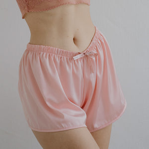 Signature Satin Lounge Shorts in Light Peach