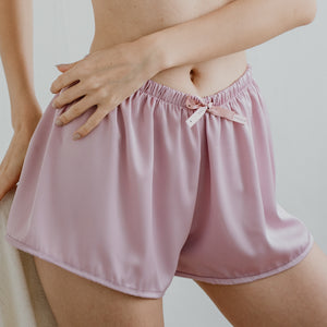 Signature Satin Lounge Shorts in Lilac