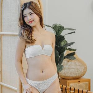 V-Laced Strapless Wireless Bra in White