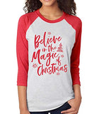 SignatureTshirts Women's Believe in The Magic of Christmas Raglan T-Shirt