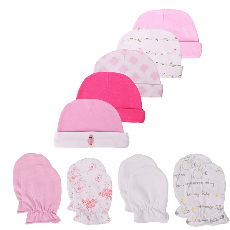 Newborn's Cotton Hats and Mittens