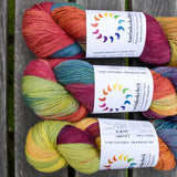 ....Aurinkokehrä Fingering Teinture Naturelle  Multicolore 100g..Aurinkokehrä Naturally Dyed Variegated Fingering 100g....