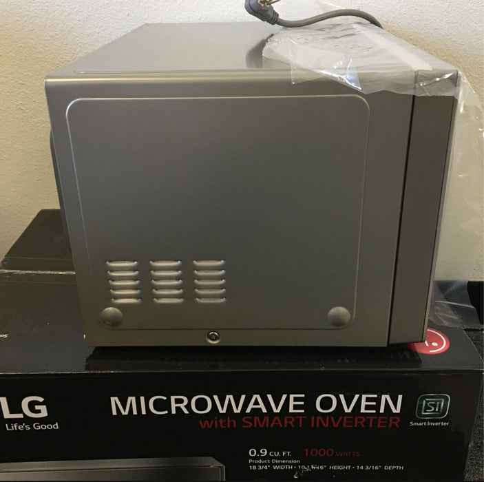 LG - NeoChef 0.9 Cu. Ft. Microwave