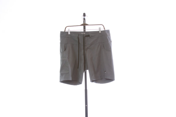 Women's Mountain Hardwear Hiking Shorts - Size 12