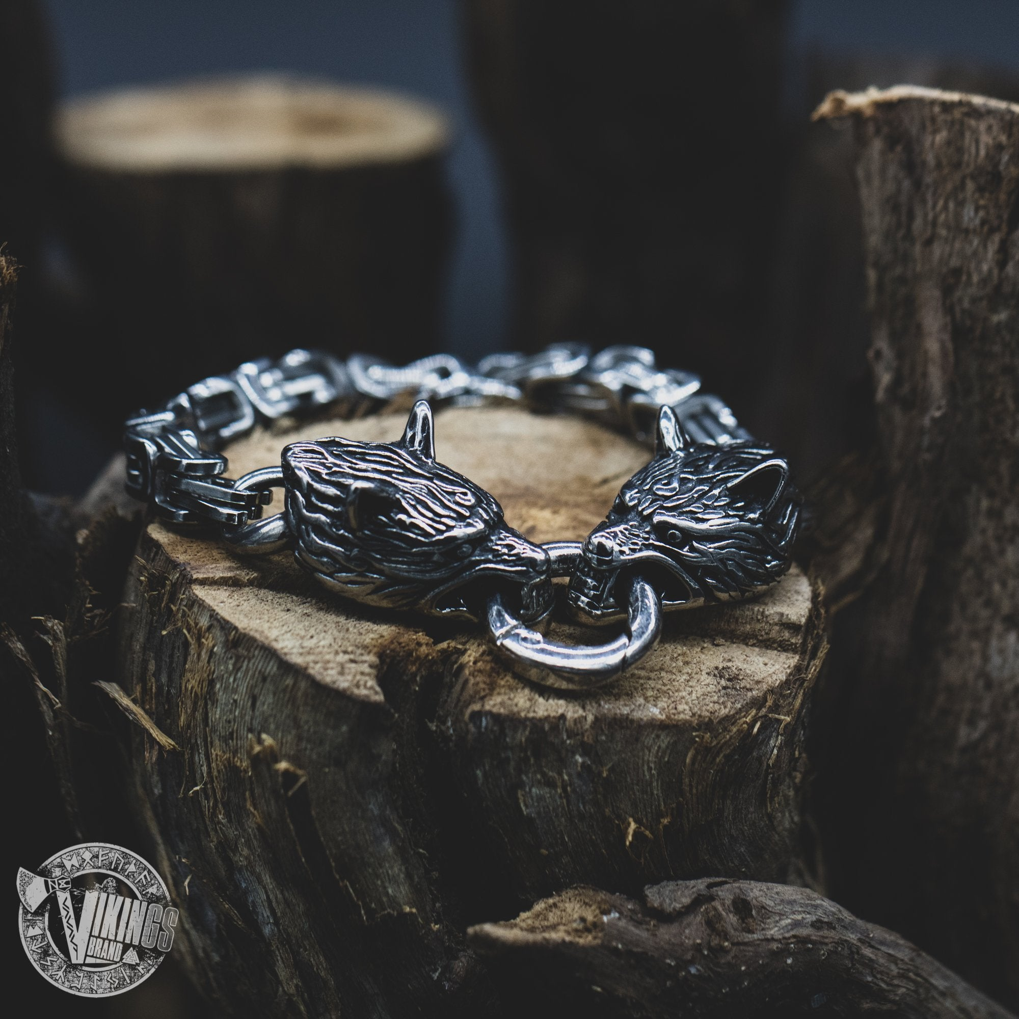 HANDMADE Stainless Steel Wolf Head Bracelet with King's Chain - VikingsBrand