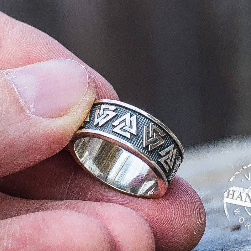 Simple Valknut Ring