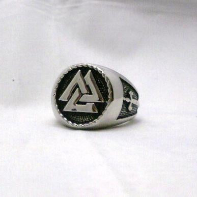 The Valknut Warriors Ring - Knot - VikingsBrand