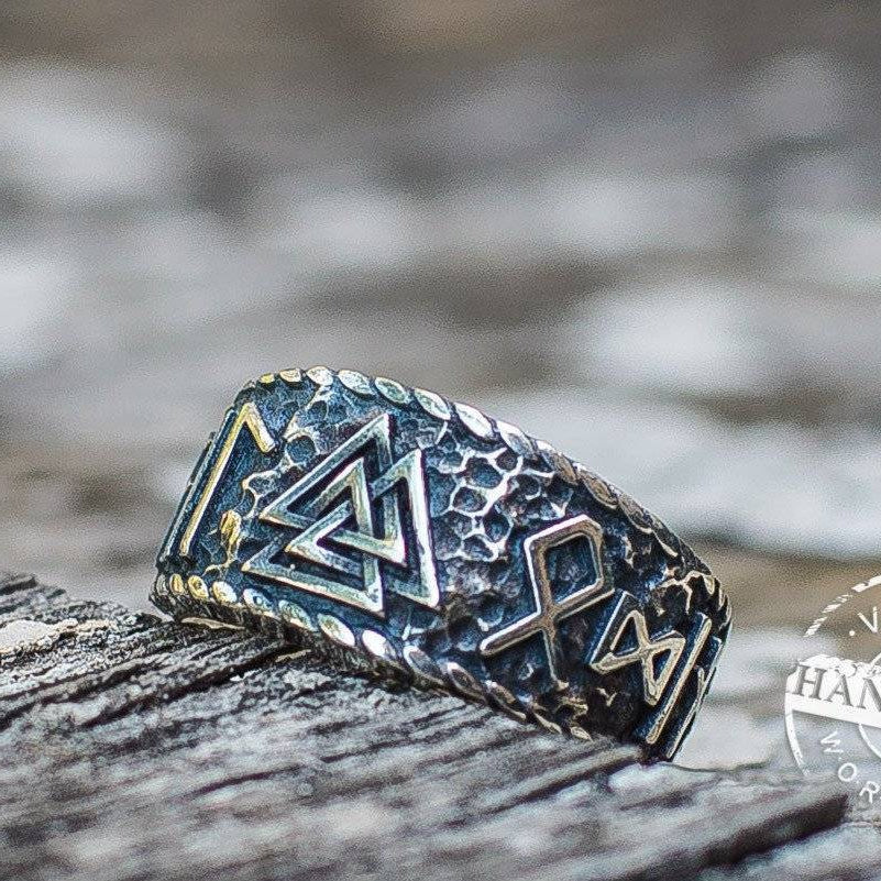 Valknut Ring with Hail Odin Runes VER 2