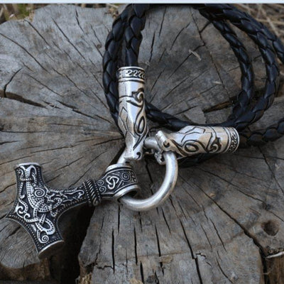 Wolf Head Necklace with Mjolnir - VikingsBrand