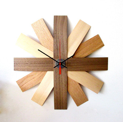 RELOJ / Maple, Oak and Walnut
